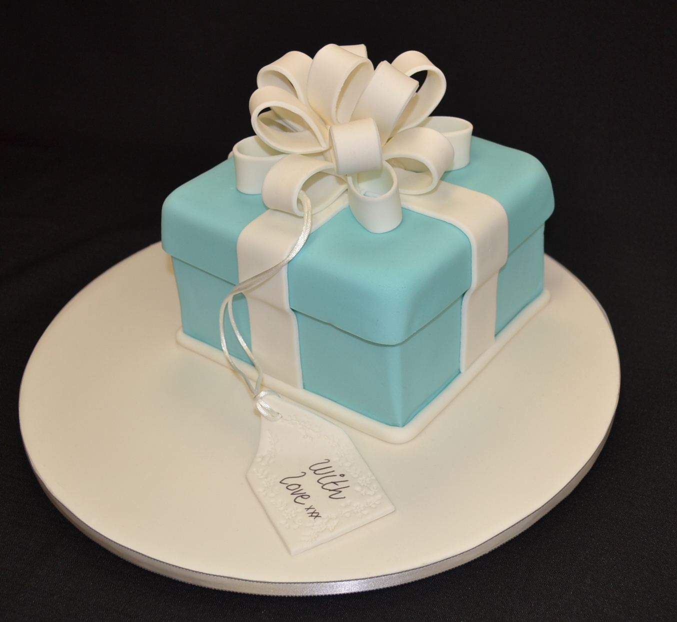 Cake Decorating Class Description : Sunday 1st of May 2016 Beginners 8 class Tiffany bow ...