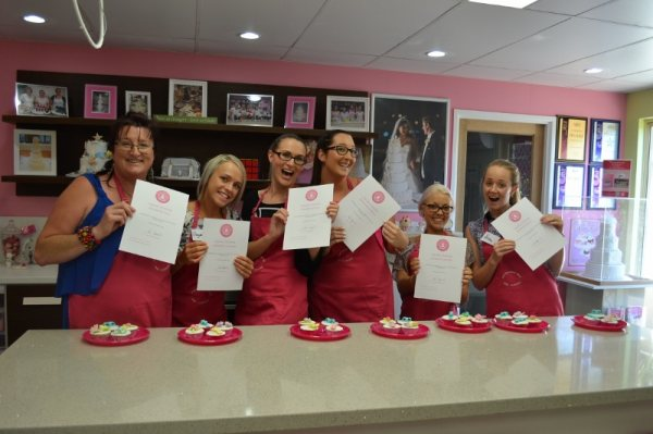 Cake Decorating Classes Queensland : Contemporary Cakes and Classes Shop