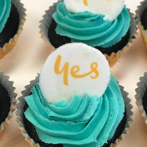 Optus-corporate-cupcakes-by-Contemporary-Cakes-and-Classes-e1505961217339-circle (1)