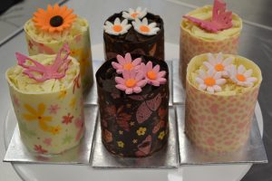 Chocolate miniature cakes Contemporary Cakes and Classes