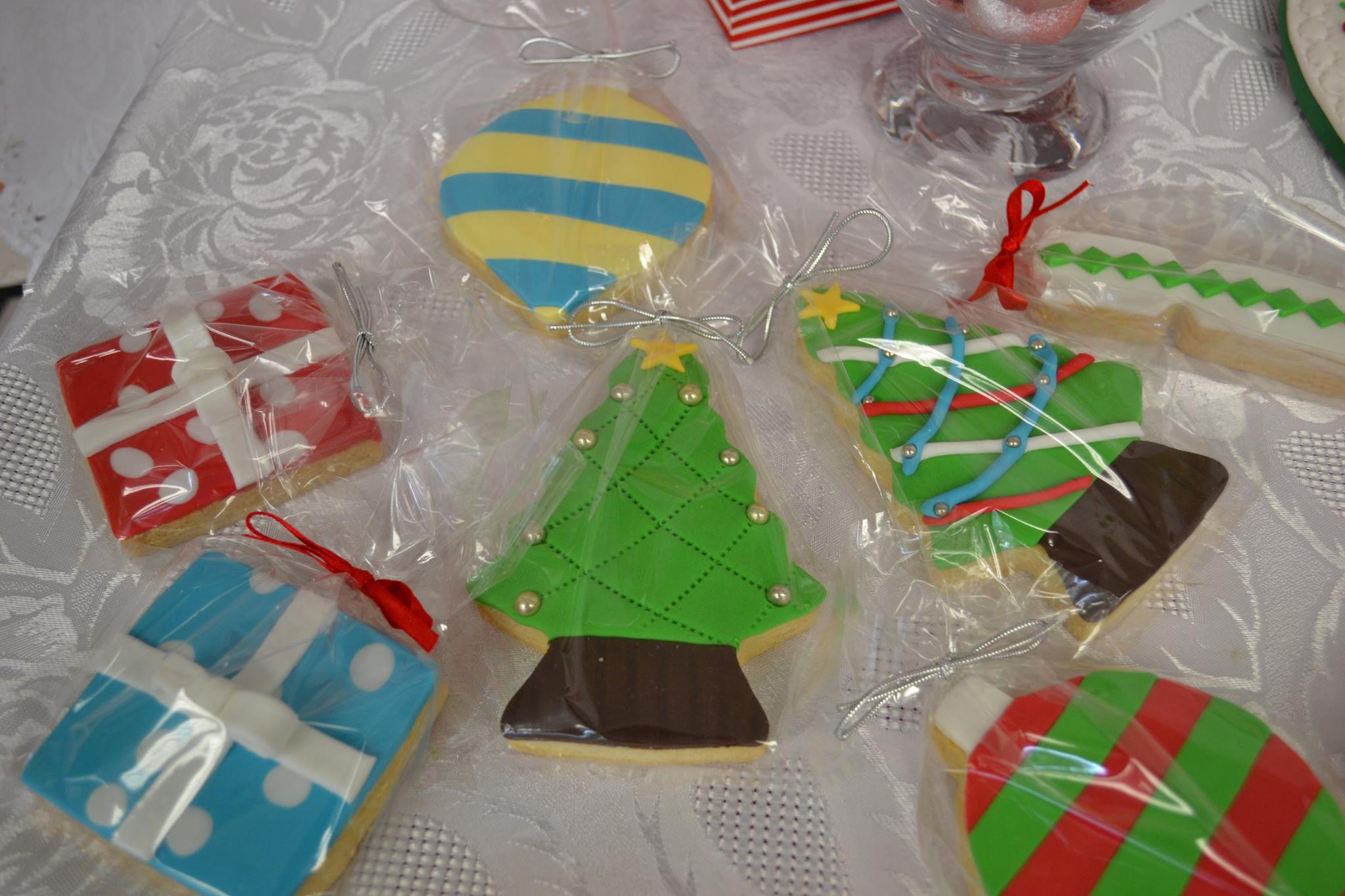 Christmas cake decorating Contemporary Cakes and Classes