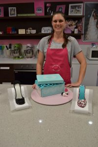 Private classes cake decorating Contemporary Cakes and Classes