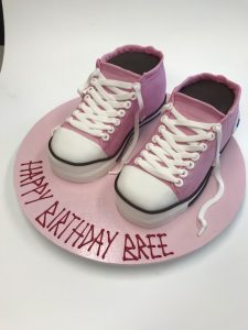 Running shoes cake class