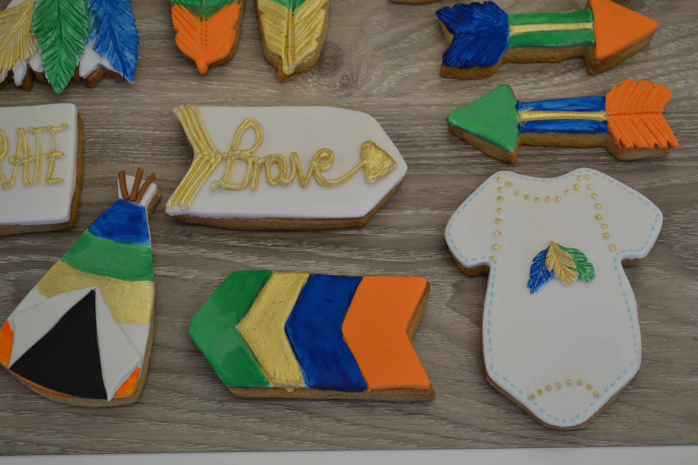 Cookies Contemporary Cakes and Classes