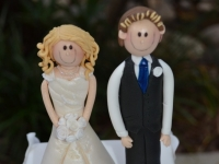 Bride and Groom figurine wedding toppers by Contemporary Cakes Brisbane