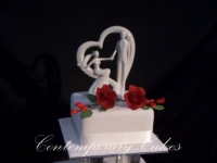 2 tier pillared wedding cake Brisbane Contemporary Cakes