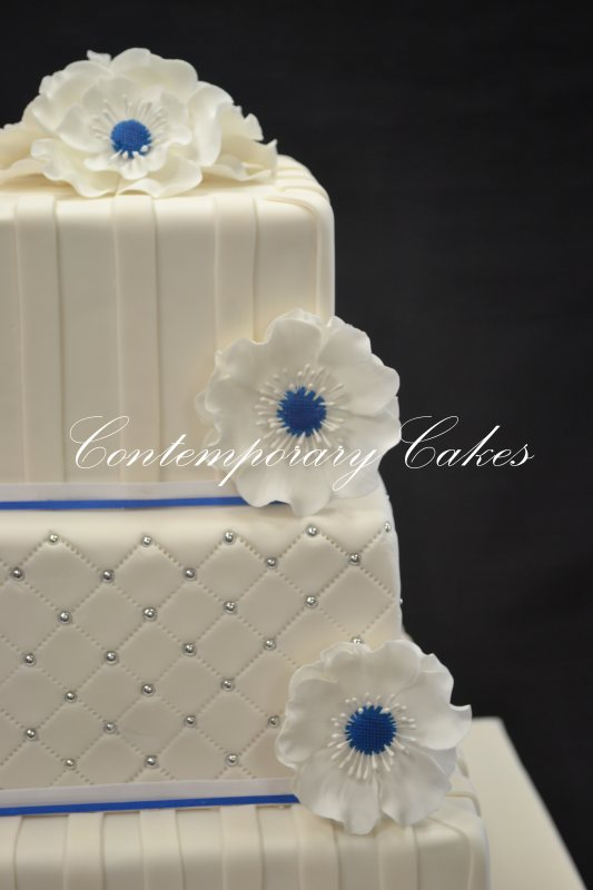 Anemone flower wedding cake