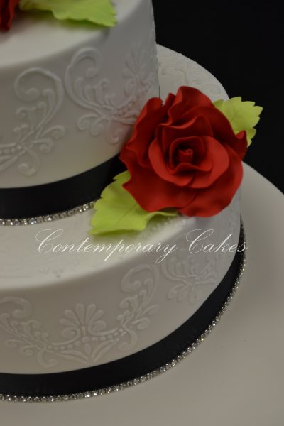 RWedding Cake Brisbane Contemporary Cakes and Classes oses and piped detailed wedding cake