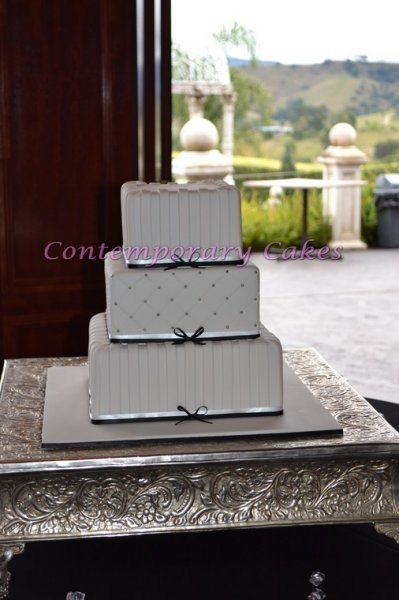 Contemporary 3 tier square stacked wedding cake