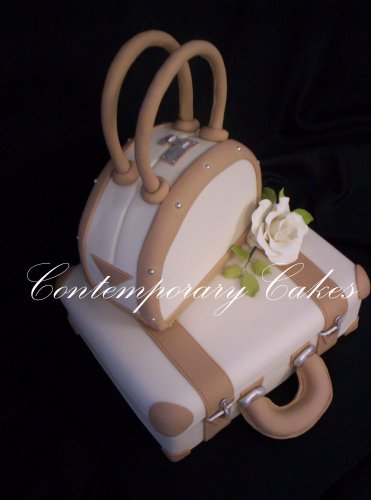 Suitcase wedding cake with sugar rose Brisbane Contemporary Cakes
