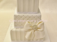 White bow elegance wedding cake