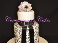 Contemporary Double barrel wedding cake