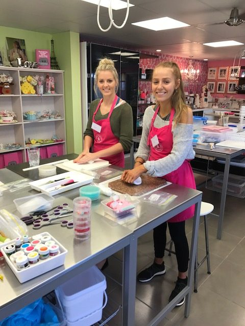 Cake classes . cake decorating, Brisbane Contemporary Cakes and classes 4