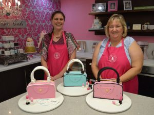 Handbag cake class Contemporary Cakes and Classes
