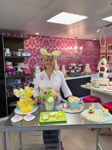 Contemporary Cakes and Classes Today show channel 9 . 6