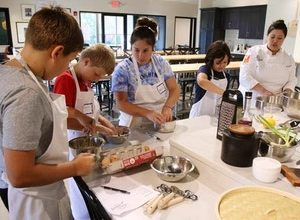 Children and High School student baking and decorating classes