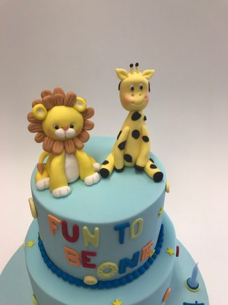 Safari giraffe and lion cake Contemporary Cakes and Classes