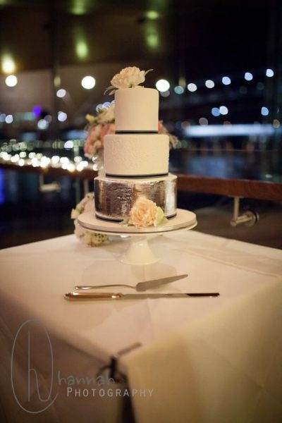 wEDDING cAKES bRISBANE cONTEMPORRY cAKES AND cLASSES