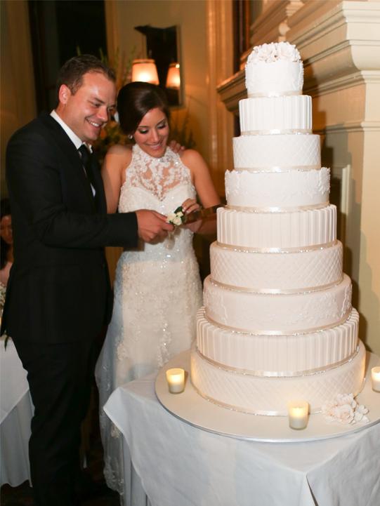 Wedding Cakes Contemporary-Cakes-Classes_