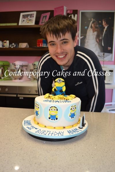 Despicable-me-Minion-cake-7
